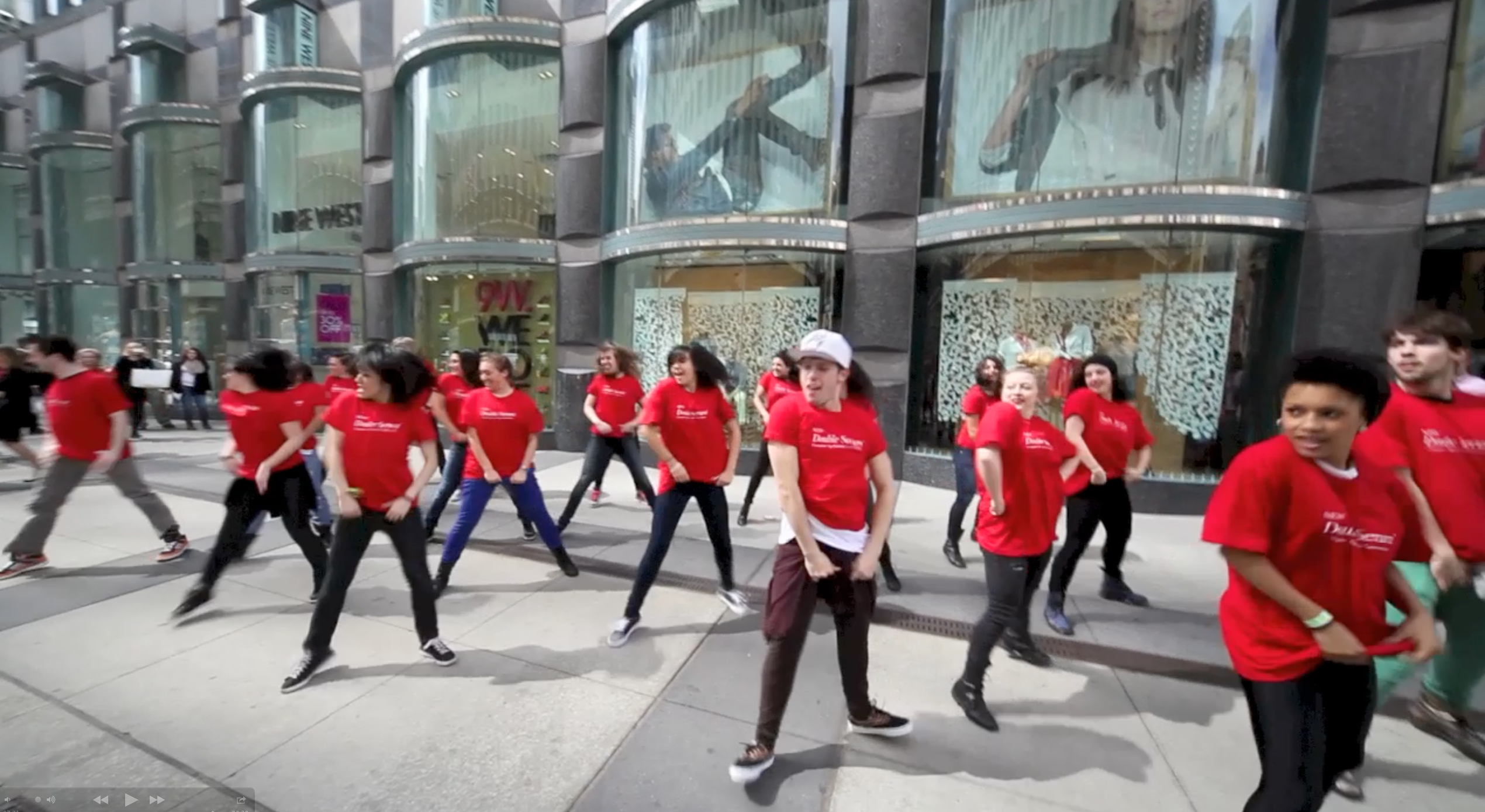 Clarins Flash Mob