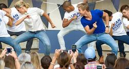 Sears Flash Mob Featuring Derek Hough of Dancing With The Stars